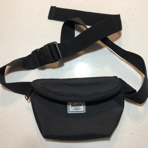 76887ac9b90 Herschel Supply Company Handbags - New Herschel Supply Co. Fourteen Fanny  pack Bag